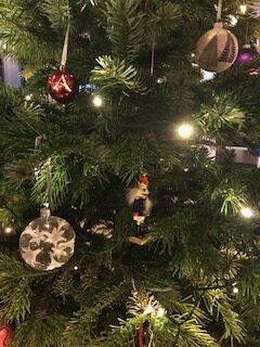 Juletræet med sin pynt…